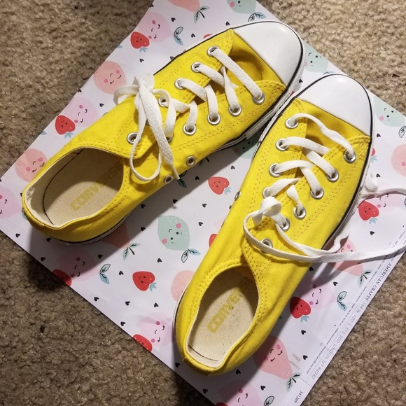Converse Shoes   Yellow Mens Size 9